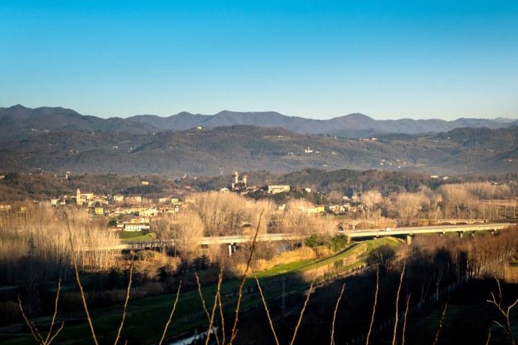 Monti Pisani visti dalla fortezza di San Paolino a Ripafratta