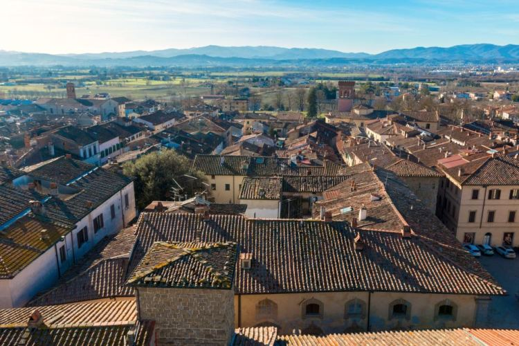 Il borgo toscano di Sansepolcro in Valtiberina visto dall'alto