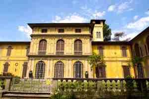 Villa Stibbert sede dell'omonimo museo sulla collina di Montughi a Firenze
