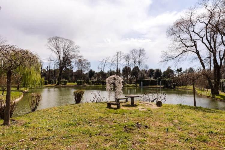 Lago e giardini della Villa Reale di Marlia in provincia di Lucca