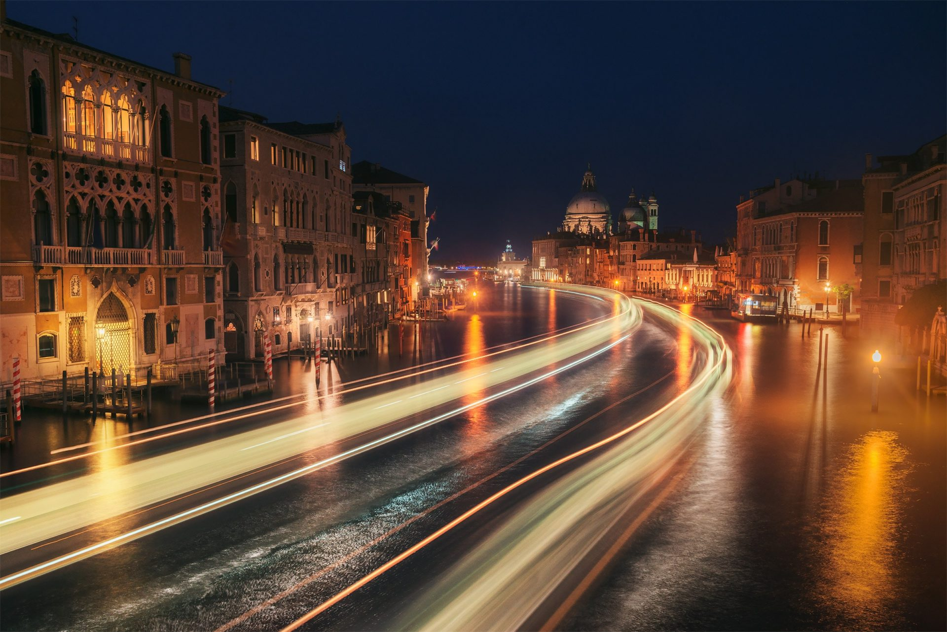 long exposure at night in Venice photo tour