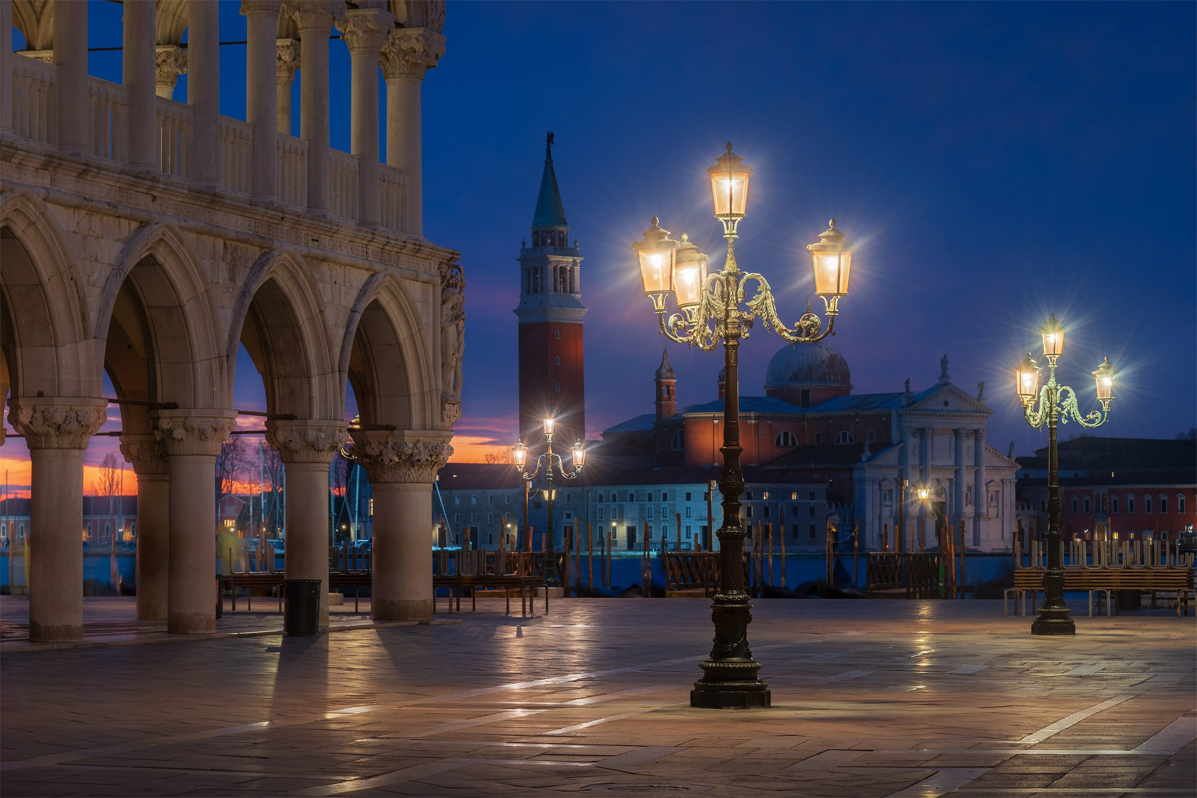 Piazza San Marco at dusk during photo tour