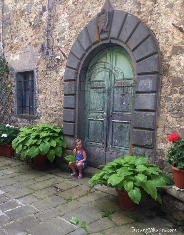 My favourite door, Lanciole, Pescia