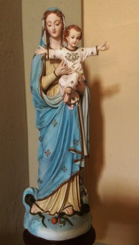 Statue, Lanciole Church