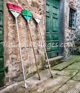 3 colour brooms