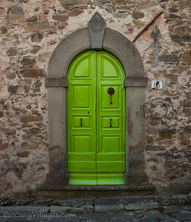 Lime Green door, Sorana, Pescia