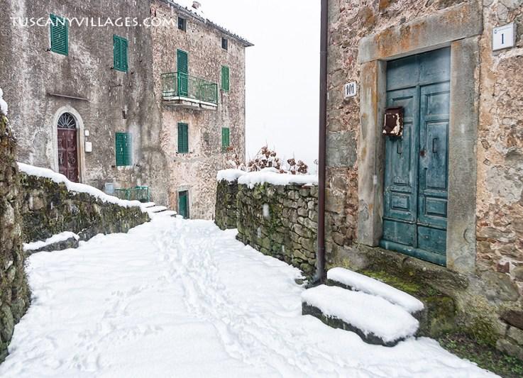 Winter snow in Pontito village, Tuscany