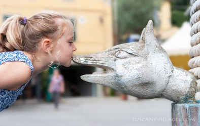 The girl and the fox. Collodi