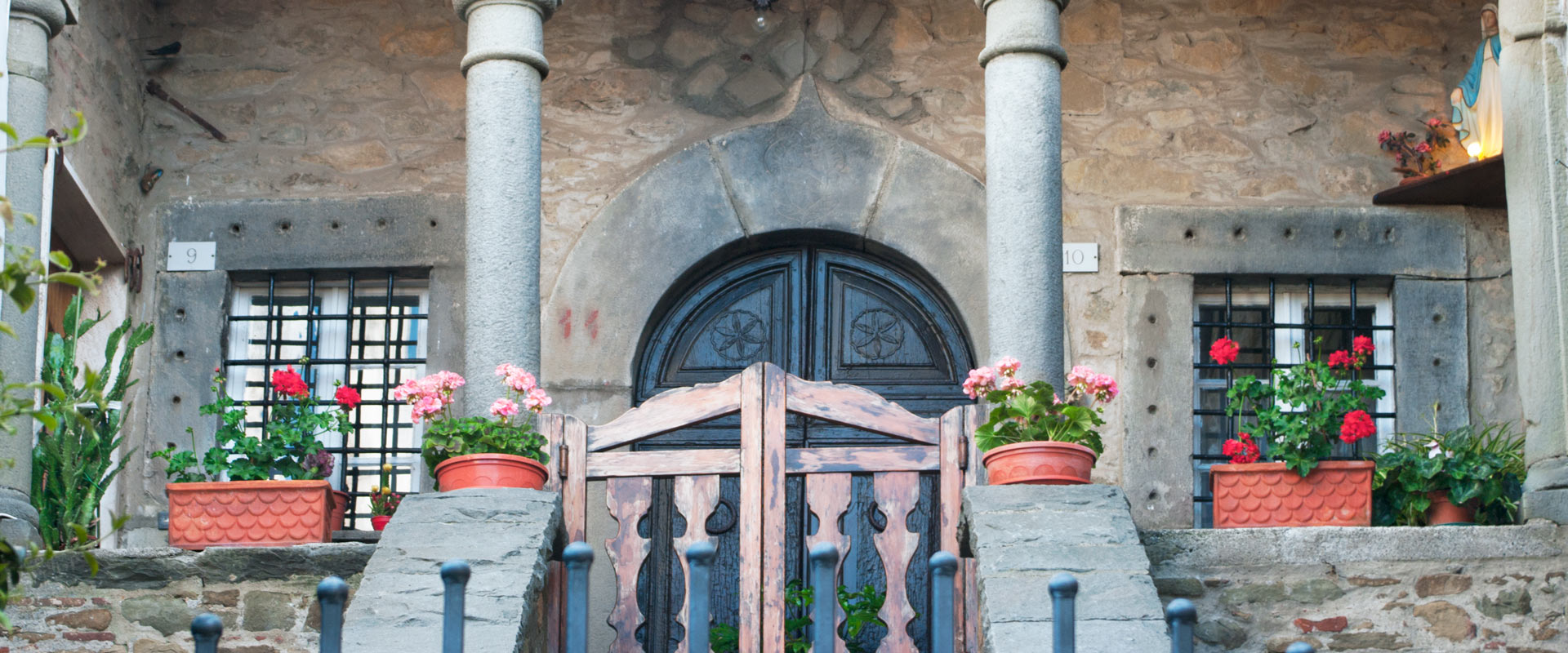Colognora, Bagni di Lucca, Italian Village