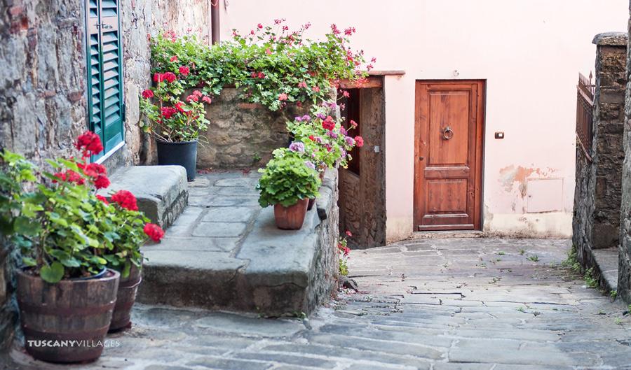 tuscany, Fibbialla, flowers and doors