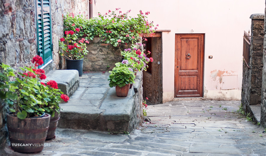 tuscany, Fibbialla, flowers and doors