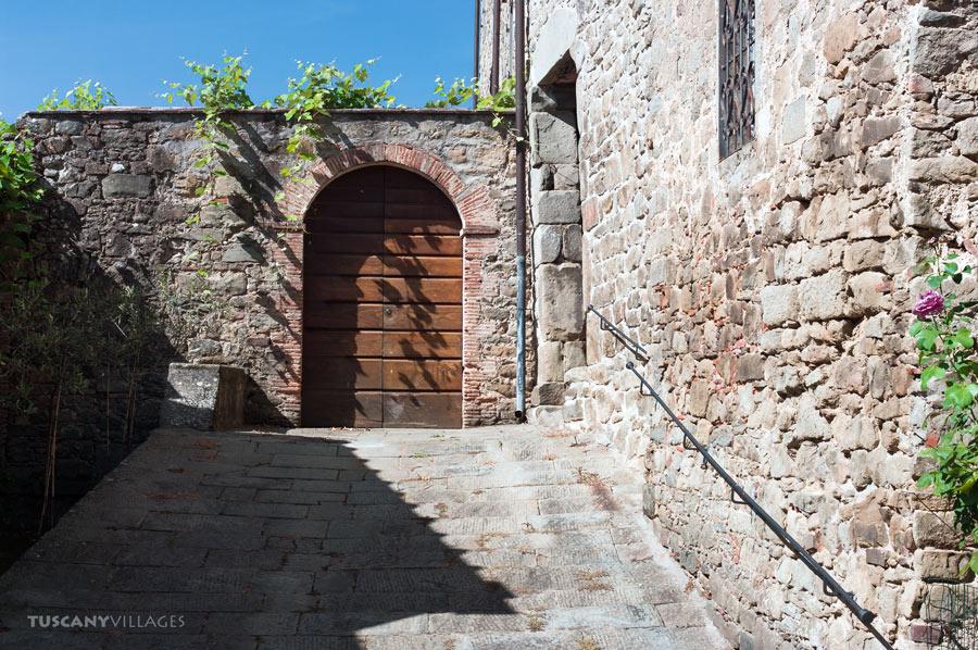 tuscany, Fibbialla, old door