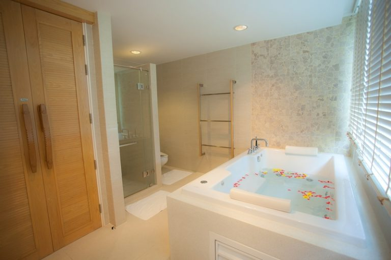 Beachfront Jacuzzi Room
