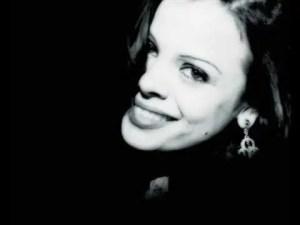 Annette Moreno – Corazon De Piedra