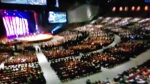 Lee más sobre el artículo Jesus En El Centro – Julio Melgar – Monica Jose Jr. – Casa de Dios