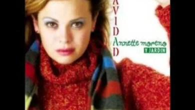 Photo of Linda Navidad – Annette Moreno