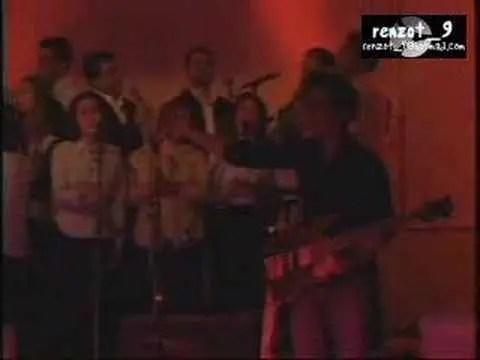 En este momento estás viendo Jesus Adrian Romero – Un Destello De Tu Gloria