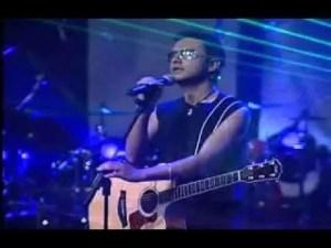 Video: Me Robaste El Corazon – Alex Campos