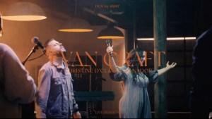 Lee más sobre el artículo Evan Craft ft. Christine D'Clario – Sanador / Healer (EN VIVO)
