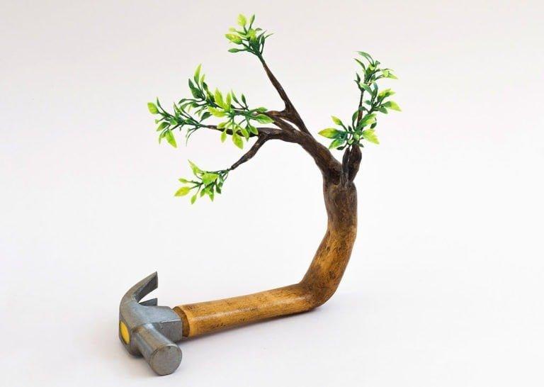 Sculture di alberi divertenti di Camille Kachani 3