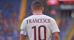 Totti Maglia con scritta Francesco
