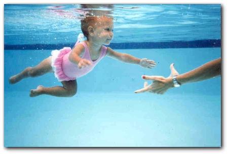 Il nuoto neonatale  Tutto Mamma