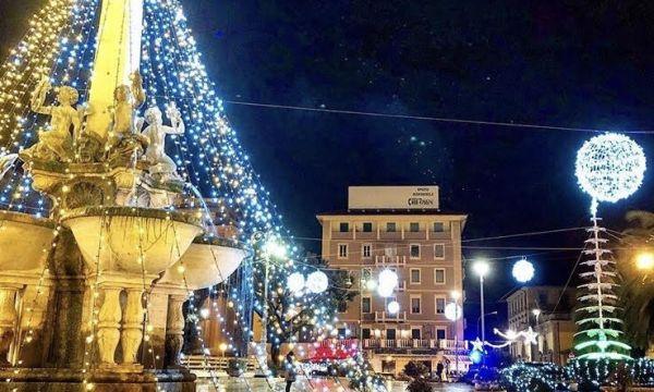 Montecatini sotto natale riesce a dare il meglio di sé. Si Accendono Le Luci Del Natale A Montecatini La Presentazione Di Tutti Gli Eventi Tuttopistoia