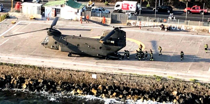 CH-47 atterrato sull'isola