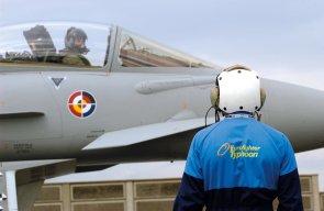 Maurizio Cheli pronto a decollare a bordo dell'Eurofighter