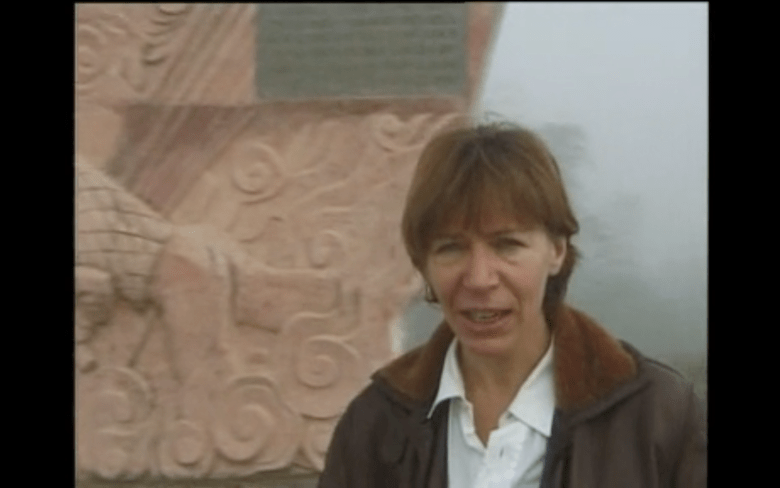 MIlena Gabanelli visita Dien Bien Phu nel 1998