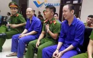 Nguyễn Văn Tình tại phiên tòa hồi tháng 10/2017.