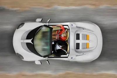 concetto di auto subacquea sQuba