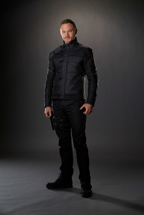 Aaron Ashmore as Johnny Jaqobis