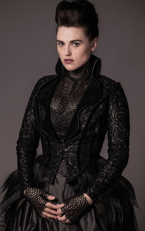 Katie McGrath as Elizabeth Carruthers