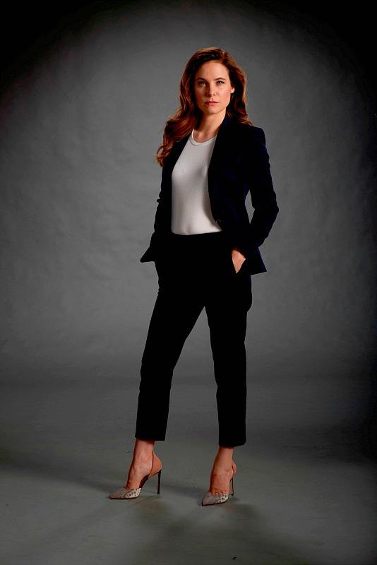Caroline Dhavernas as Mary Harris