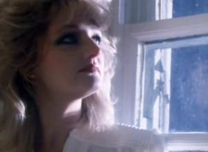 Bonnie Tyler - Total Eclipse of the Heart - Official Music Video