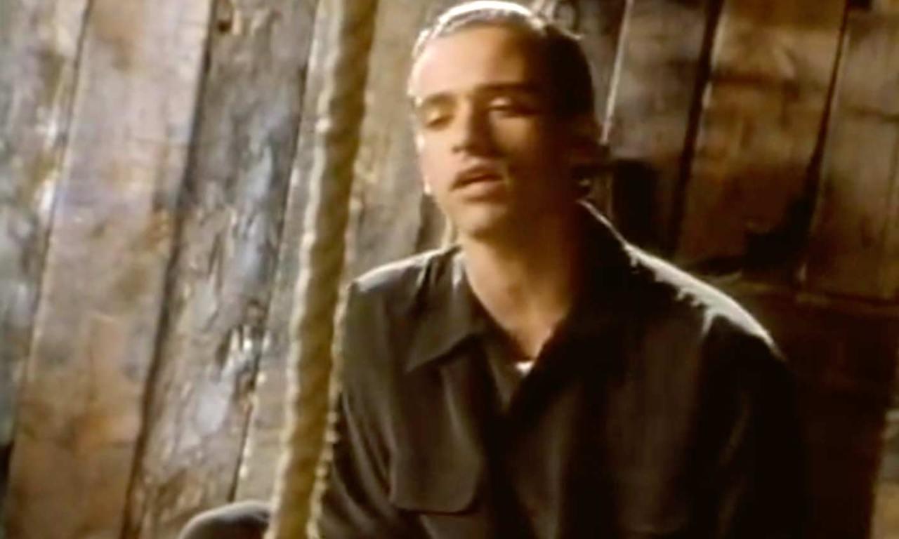 Eros Ramazzotti - Se bastasse una canzone - Official Music Video
