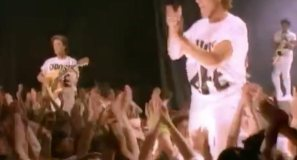Wham! - Wake Me Up Before You Go-Go - Official Music Video