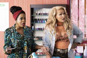 Claws S03E03 Welcome to the Pleasuredome Photos 10 300x200 - Claws S03E03 - Welcome to the Pleasuredome Photos