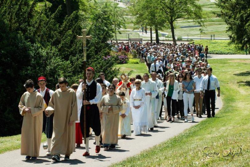 Tijelovo je za Katoličku crkvu jedan od značajnijih blagdana, no znate li zašto ga slavimo