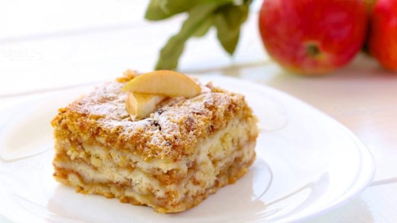 Savršenstvo od kolača, s jabukama i grizom