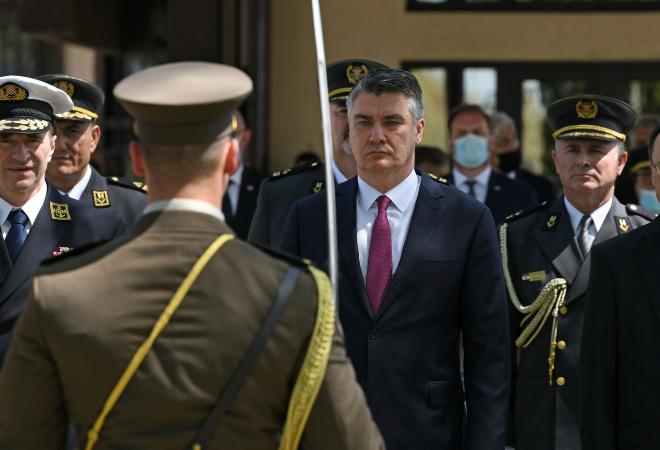 MILANOVIĆ ZAGRMIO: 'Neka nam živi naša Hrvatska, neka živi dovijeka i neka bude mirna jer čuva je Hrvatska vojska!'