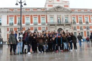 Grupo de alumnos en la Puerta del Sol