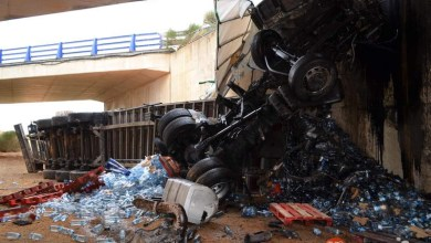 Photo of Un varón ha fallecido al caer su camión por un viaducto en la A-66 a la altura de Algadefe