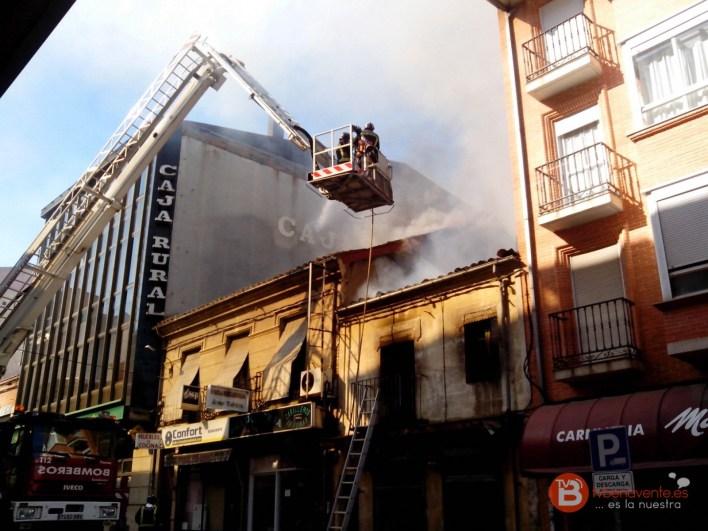 incendio calle santa cruz benavente - 14 de octubre 2015 - tvbenavente