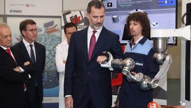 Photo of El bañezano Fernando Casado presenta el brazo que ayuda a pacientes con daños neurológicos
