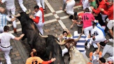 """Photo of El benaventano """"Pakito"""" sufre una caída en el encierro de Pamplona"""