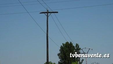 Photo of Un poste de la luz deja sin suministro a Villanueva de Azoague
