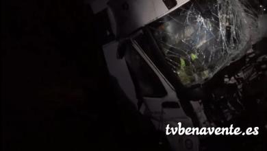 Photo of Dos heridos al chocar dos camiones en la A-6