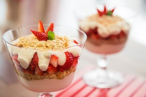 Cheesecake em taças da culinarista Cinthya Maggi